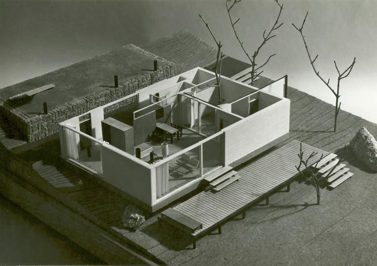 Albergue de montaña, Vitoria (Álava), 1957. Arquitecto: Javier Carvajal Ferrer. Image © José Calvo. Archivo General de la Universidad de Navarra
