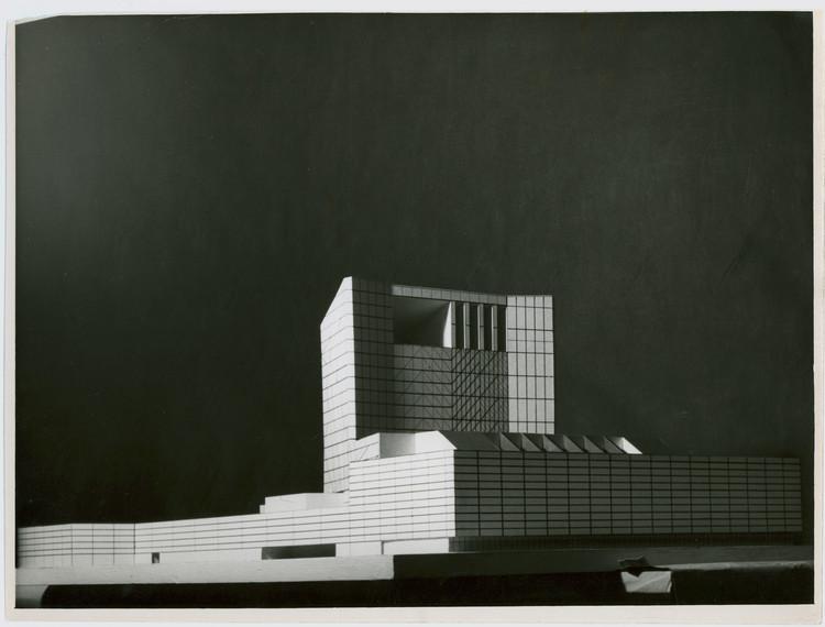 Concurso para el Teatro Nacional de la Ópera, Madrid, 1963. Arquitecto: Rafael Aburto Renobales. Image © Archivo General de la  Universidad de Navarra
