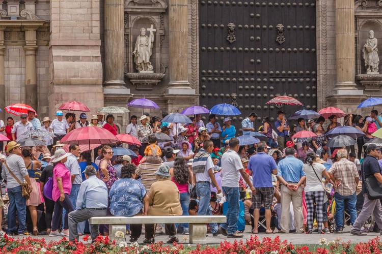 """""""Calor y Color Limeño"""" - Plaza Mayor de Lima: Ciudad y patrimonio vivo, 2015. Image © Eleazar Cuadros"""