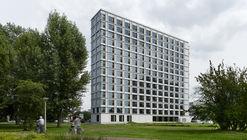 Campus de dormitorios estudiantiles de la Universidad Tecnológica de Eindhoven / Office Winhov + Office haratori + BDG Architecten