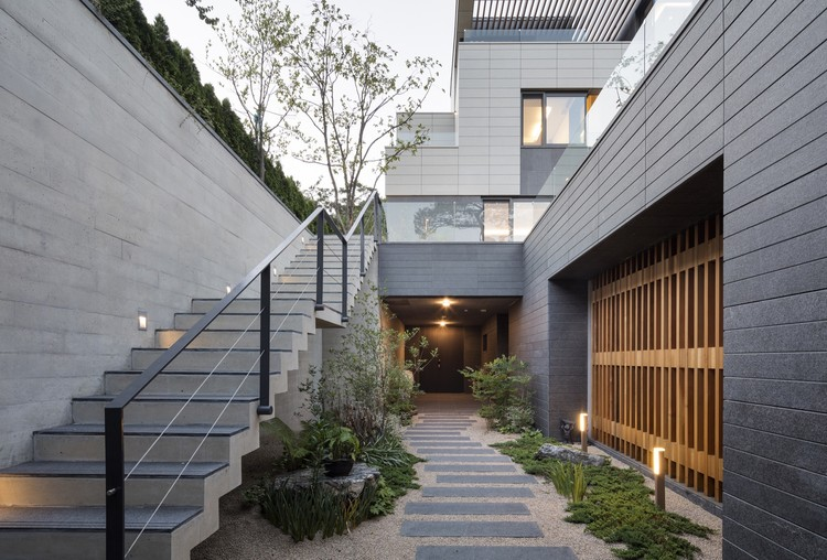 Trio House / AXIS Architects, © Sun Namgoong