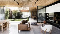 Casa Pátio / FIGR Architecture & Design