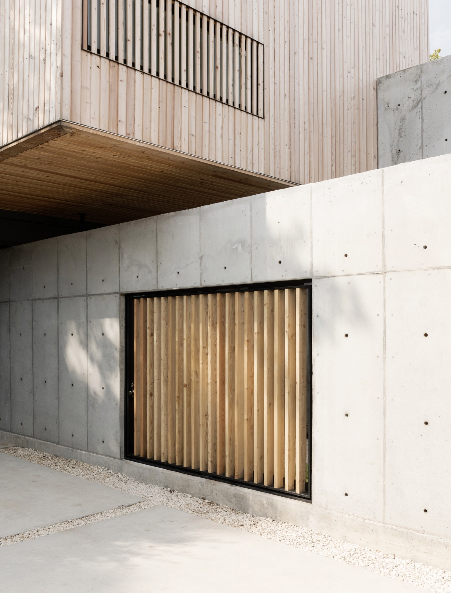 Gallery of concrete box house robertson design 15 for Concrete house texas