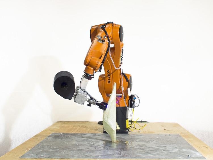 how to make a model robotic arm