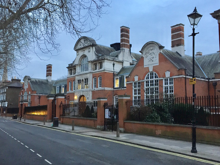 St Paul's Girl's School, Brook Green, Hammersmith, by Gerald Horsley (1904). Image © Timothy Brittain-Catlin