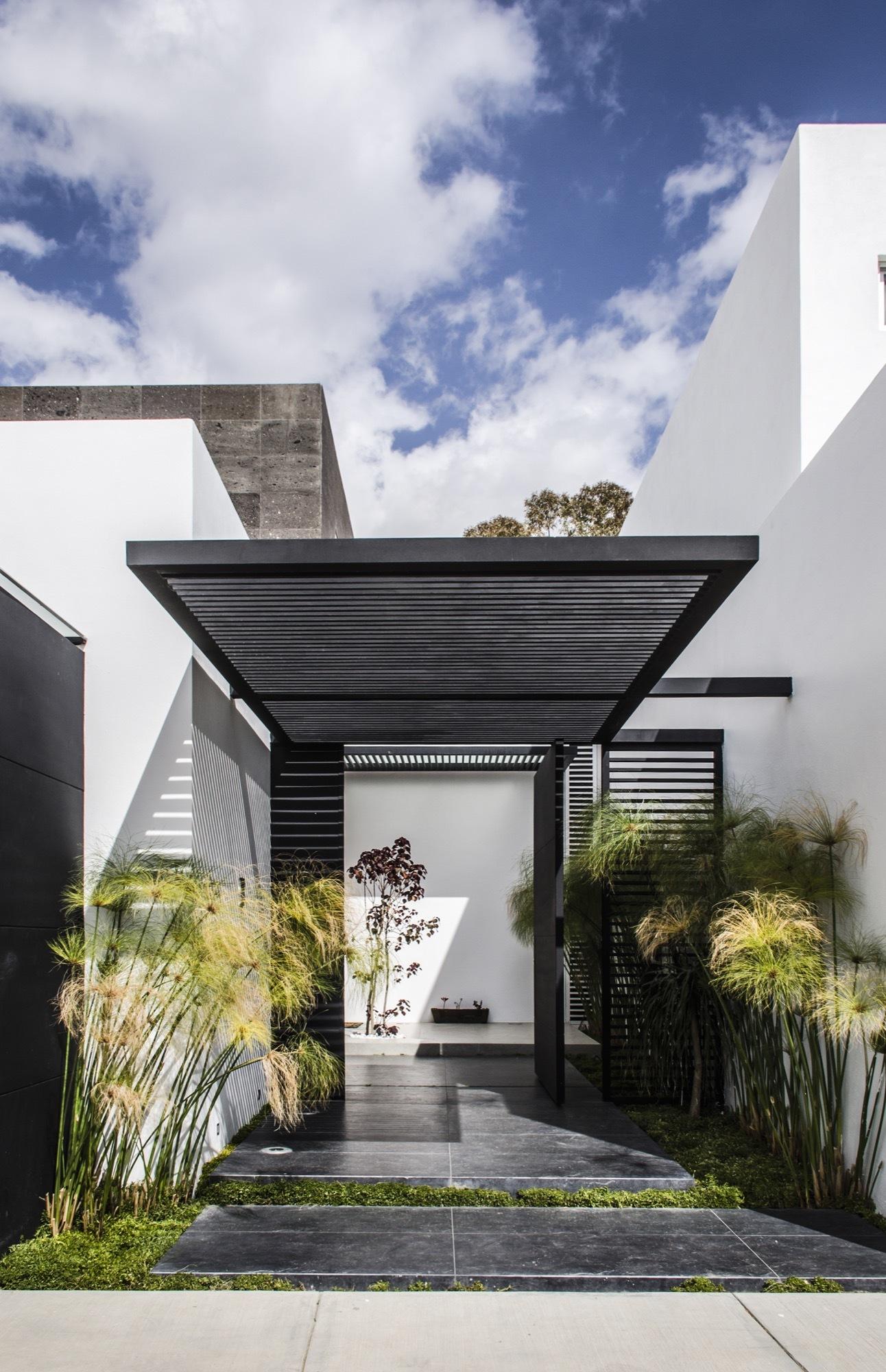 Casa mezquite bag arquitectura archdaily for Fachadas de casas con terraza