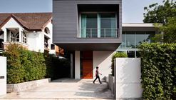 Casa demoH / Lynk Architect