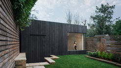 Garden Studio Gym in North London / EASTWEST ARCHITECTURE