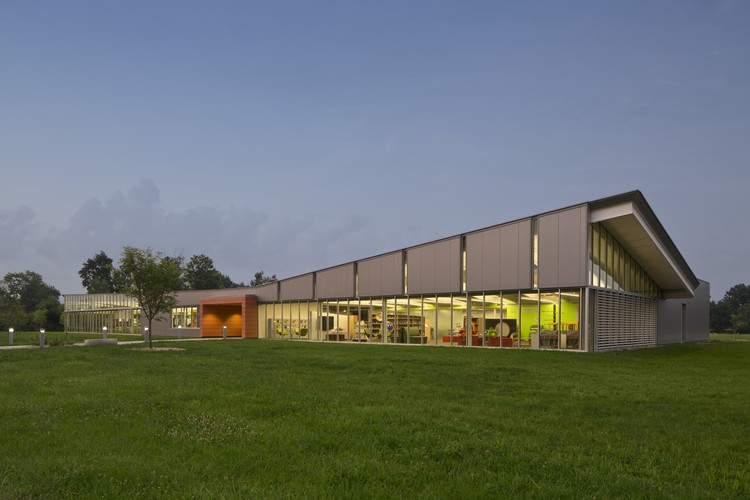 Columbus Metropolitan Library – Whitehall / Jonathan Barnes Architecture and Design (JBAD). Image © Brad Feinknopf