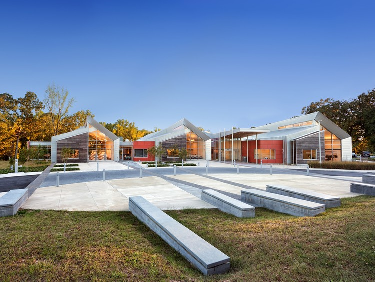 Varina Area Library; Henrico, Virginia / BCWH + Tappe Architects. Image © Chris Cunningham Photography