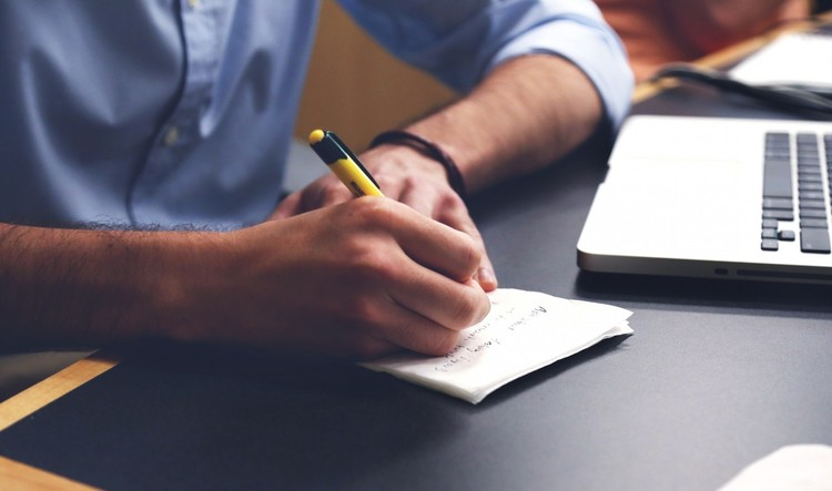 Curso online gratuito ensina como aplicar sustentabilidade em empresas e escritórios, Foto via VisualHunt.com