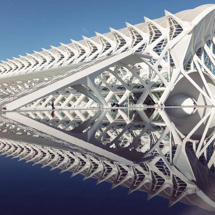 la ciudad de las artes y las ciencias bajo el lente de sebastian weiss