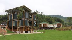 Energy Efficient Bamboo House / Studio Cardenas Conscious Design