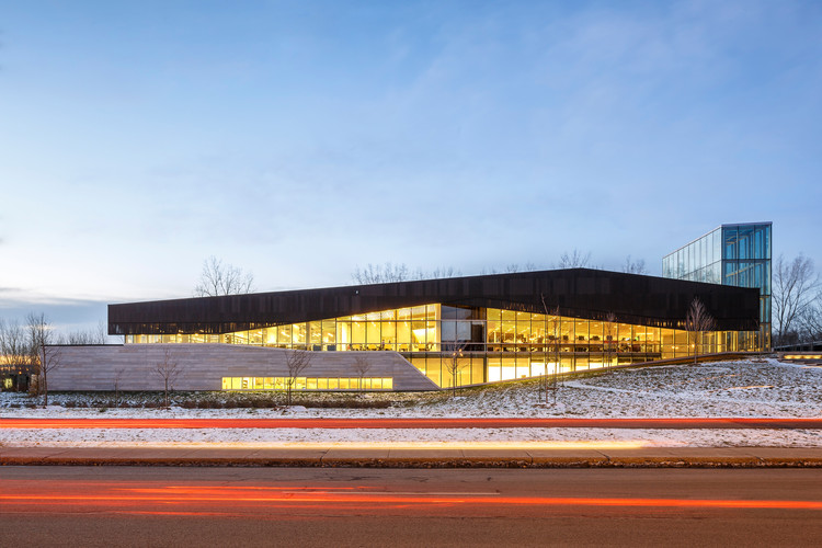 Montreal's LEED Platinum Bibliothèque du Boisé Wins RAIC's Green Building Award , © Doublespace Photography