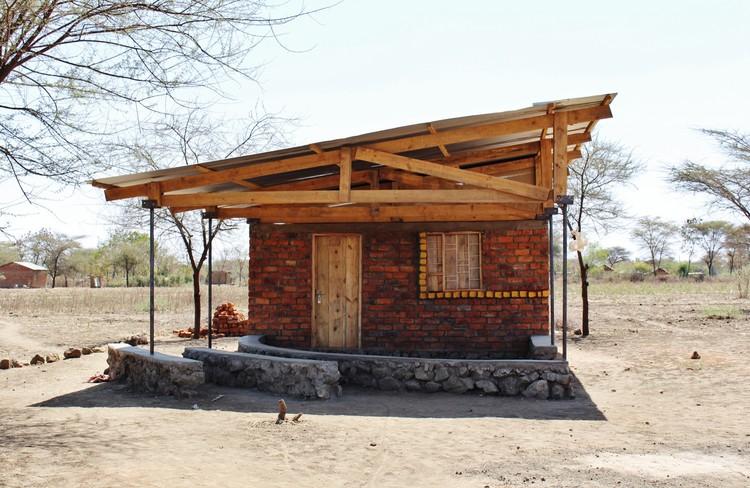 Centro para Mujeres en Poblado Masai  / C-re-aid, © Laia García