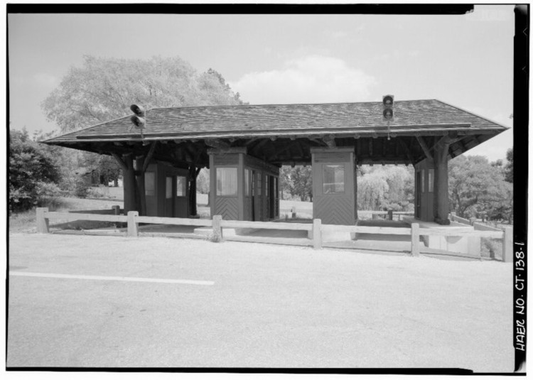 A Merritt Parkway tollbooth preserved at Boothe Memorial Park. Image <a href='http://www.loc.gov/pictures/item/ct0559.photos.022909p/resource/'>via Library of Congress</a>