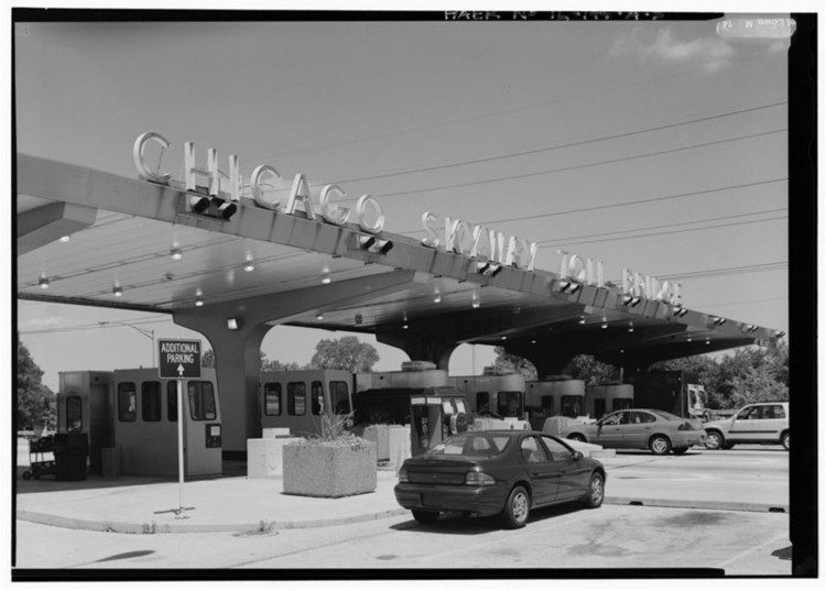 The Chicago Skyway toll plaza. Image <a href='http://www.loc.gov/pictures/item/il0825.photos.318321p/'>via Library of Congress</a>