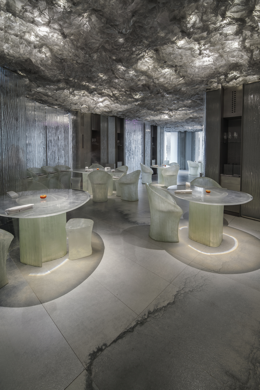 restaurant enigma ofrece una nueva experiencia gastronmica con una fuerte futurista cortesa de rcr