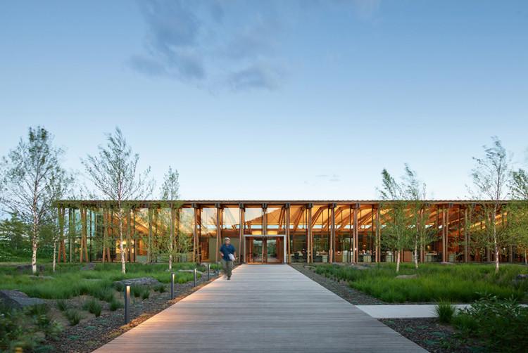 WASHINGTON FRUIT & PRODUCE CO. HEADQUARTERS; Yakima, Washington / Graham Baba Architects. Image Courtesy of The American Architecture Awards