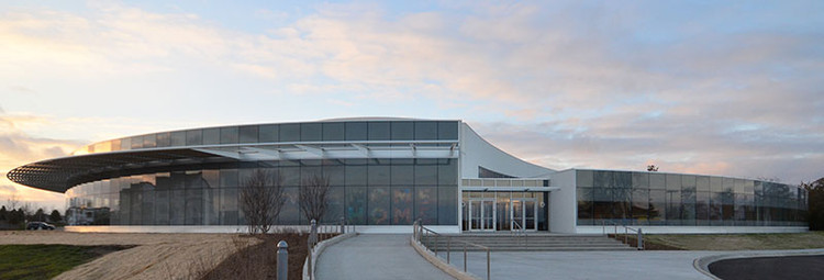 WILLOW CREEK NORTH SHORE; Glenview, Illinois / Adrian Smith + Gordon Gill Architecture. Image Courtesy of The American Architecture Awards