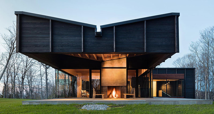 MICHIGAN LAKE HOUSE; Leelanau County, Michigan / Desai Chia Architecture. Image Courtesy of The American Architecture Awards