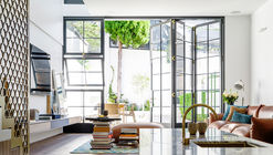 Bougainvillea Row House / Luigi Rosselli