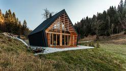 La casa de madera / studio PIKAPLUS