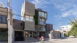 Isabela Building / Ruptura Morlaca Arquitectura
