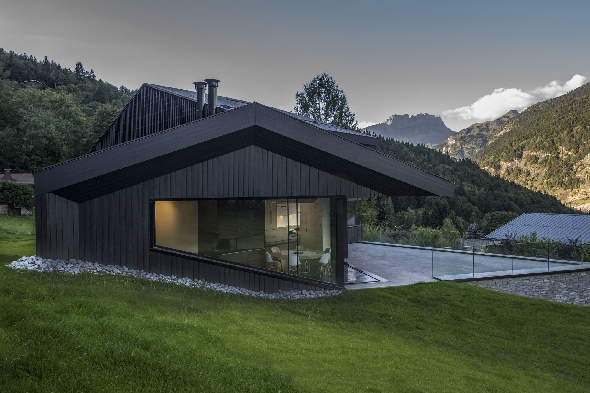 cabin in chamonix pierre marchand architects archdaily. Black Bedroom Furniture Sets. Home Design Ideas