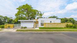 Casa de la Acacia  / David Macias Arquitectura y Urbanismo