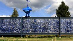 Botellas recicladas: de residuos plásticos a material de construcción