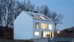 A House / Chang Kyu Lee [GEBDESIGN.]