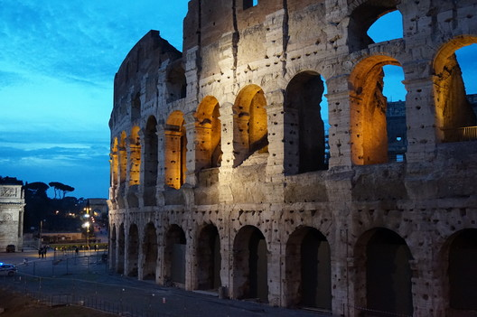 The original Colosseum in Rome © Flickr user mattkieffer. Licensed under CC BY-SA 2.0