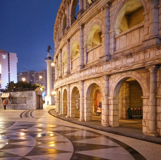 The Colosseum's identical twin in Macau, China © Flickr user 11020833@N02. Licensed under CC BY-SA 2.0