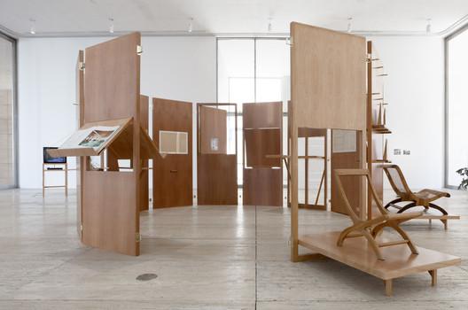 Passersby 02: Esther McCoy exhibition design; Jumex Museum, Mexico City; 2016 / LANZA Atelier. Image © Laura Cohen. Courtesy of Fundación Jumex Arte Contemporáneo