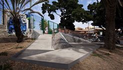 A Triangulated Ramp Made For People With Reduced Mobility In Mind