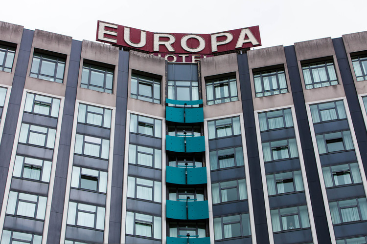 Belfast's Europa Hotel was once regarded as the most bombed hotel in Europe © Flickr user placeni. Licensed under CC BY-NC-ND 2.0)