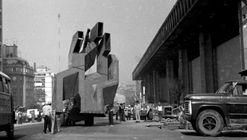 Federico Assler y la historia de su escultura oculta y silenciada en el estacionamiento del edificio Diego Portales
