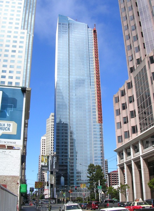 Image <a href='https://commons.wikimedia.org/wiki/File:Millennium_Tower_San_Francisco_July_2008.jpg'>via Wikimedia</a>. Photo by Wikimedia user Hydrogen Iodide in public domain.