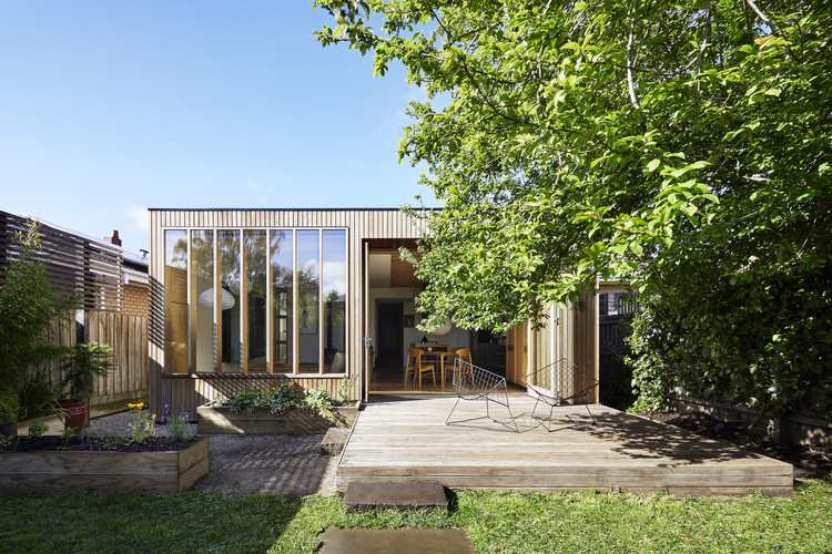 Wooden Box House / Moloney Architects, © Christine Francis