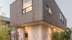 House Gele Lis / GAAGA