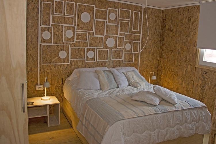 Casa S3: habitación principal. Image © Construye Solar