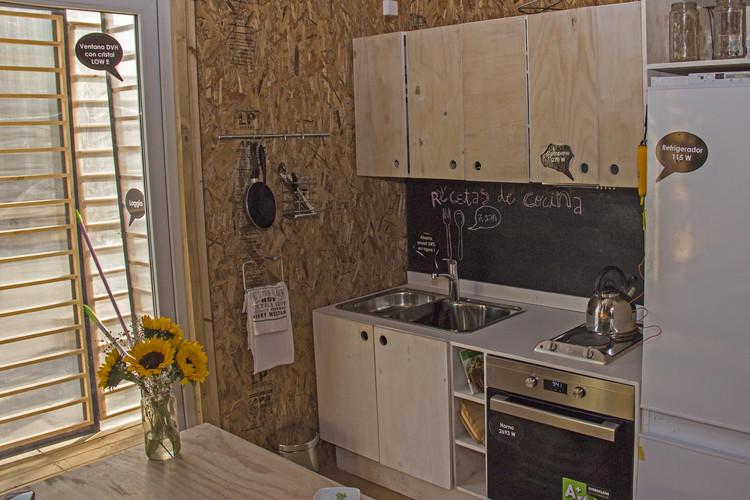 Casa S3: cocina. Image © Construye Solar