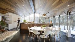 Trefoil Glass House / J.Roc Design