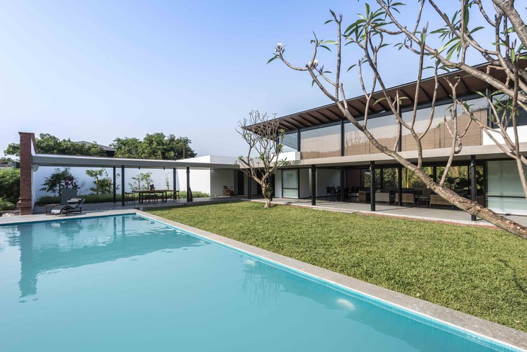 The Twin Houses / SPASM Design Architects, Courtesy of SPASM Design Architects