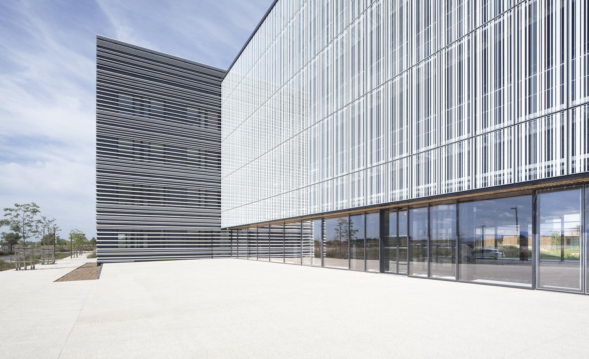 ecotox centre brunet saunier architecture archdaily