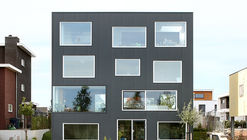 House with 11 Views  / Marc Koehler Architects