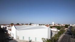 IN CASTRO –  Ideas and Business Center  / Campos Costa Arquitetos