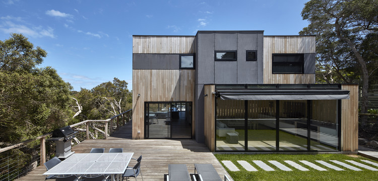 Beach House / DX Architects, © Aaron Pocock