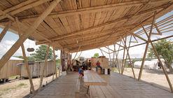 Renacer de Chamanga Community House / Actuemos Ecuador